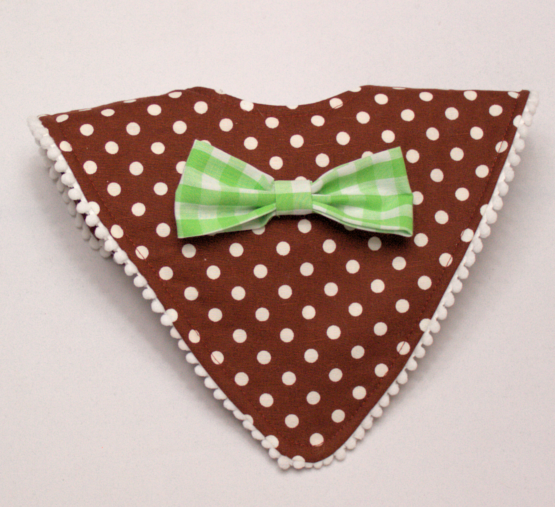 Maroon mod bib with green checkered bow tie