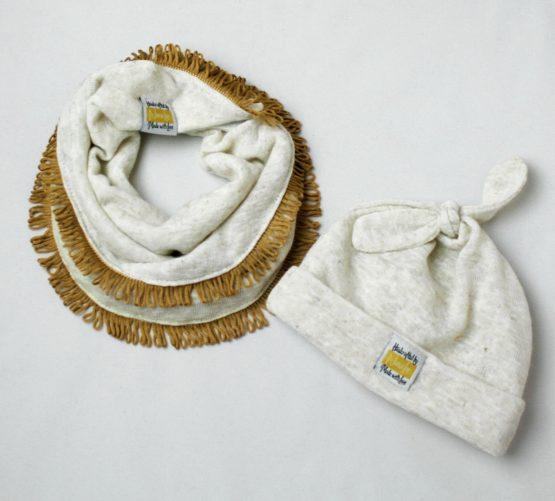 Beige beanie & Scarf package
